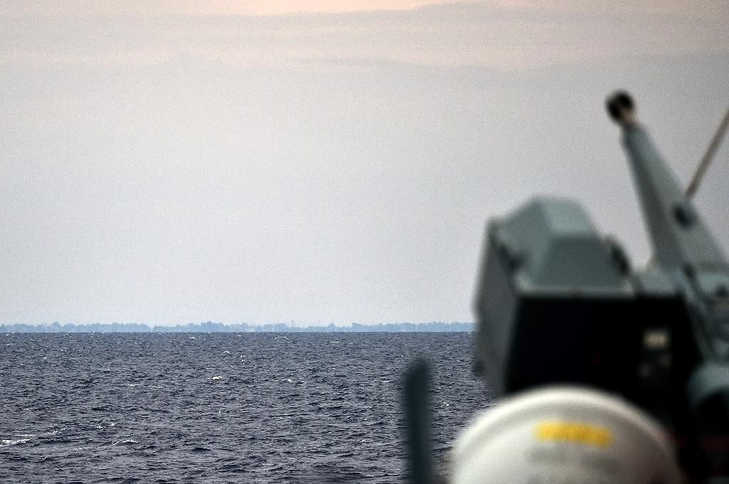 A view of the German navy frigate ship Werra patrolling in front of Libya coast on September 29, 2015 (AFP Photo/Alberto Pizzoli)