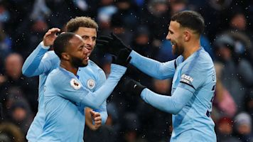 Manchester City see off Everton to go top