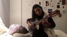 Un vídeo de Rocío Monasterio tocando la guitarra revoluciona las redes sociales