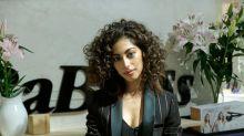 Los secreto de Mina El Hammani ('Élite') para presumir de rizos perfectos