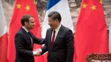 """En Chine, Emmanuel Macron ne veut pas donner de """"leçon"""" sur les droits de l'homme"""