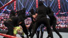 Maskierte WWE-Invasoren: Erste Mitglieder entlarvt?