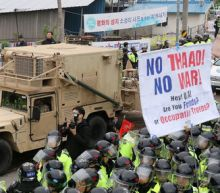 U.S. moves THAAD anti-missile to South Korean site, sparking protests