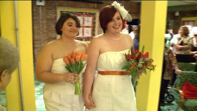 Illinois gay marriage bill to be signed today