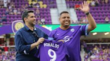 Orlando City presents Ronaldo with jersey ahead of Atlanta match