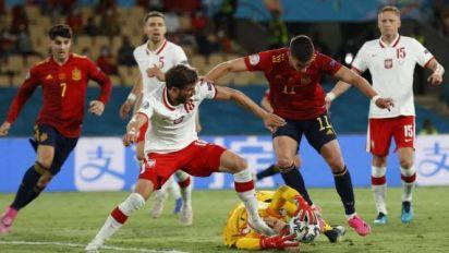 Foot - Euro - Déjà tenue en échec par la Suède, l'Espagne bute cette fois sur la Pologne