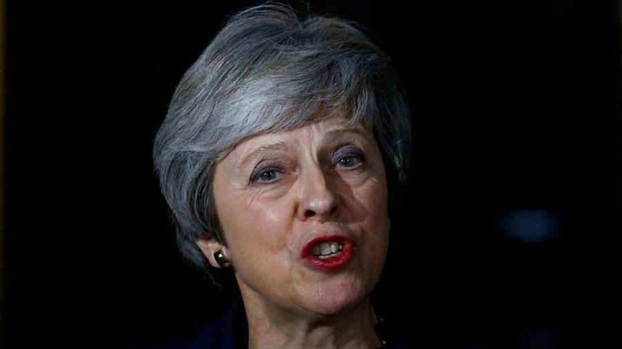 Brexit: Theresa va alla guerra