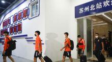 Futebol recomeça na China, a portas fechadas e após cinco meses de interrupção