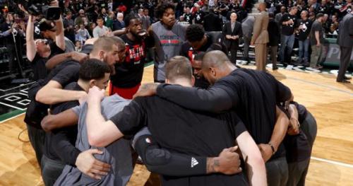 Basket - WTF - Les Bucks accueillent les Raptors avec une comptine