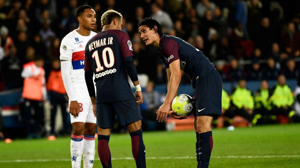 """Il Marsiglia 'sfotte' su Cavani-Neymar, il PSG risponde: """"Aspettate ancora un rigore..."""""""