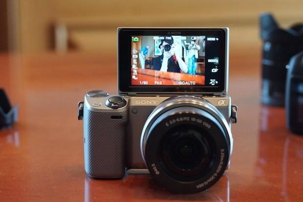 Sony unveils 16.1MP NEX-5T with NFC and WiFi, available this September