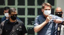 Sem provas, Bolsonaro levanta dúvidas sobre urna eletrônica após atraso nos resultados
