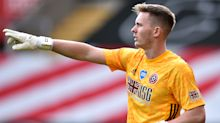 Dean Henderson signs new long-term contract with Manchester United