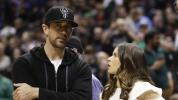 Aaron Rodgers becomes part-owner of the Milwaukee Bucks