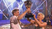 Kellie Pickler Wins 'Dancing With The Stars' Mirror Ball Trophy