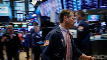 Stocks inch higher as big dividend companies rise