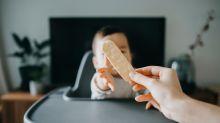 Lifehack: So muss man seinen Snack nicht mehr mit dem Kind teilen