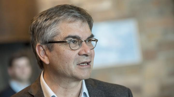 Jefe banco central Chile: economía puede superar nuevos cierres