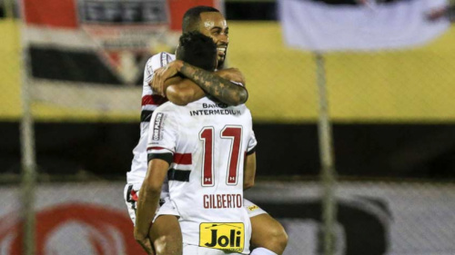 Para são-paulinos, vitória traz confiança para reta final do Paulista