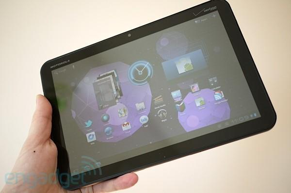 Motorola's Sanjay Jha hints at a 7-inch tablet before the end of the year, foresees tablet prices dropping