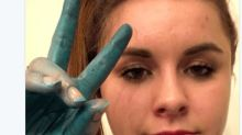 A bath bomb basically turned this woman into a Smurf
