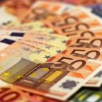 EUR/USD Under Pressure As It Falls Below 1.18