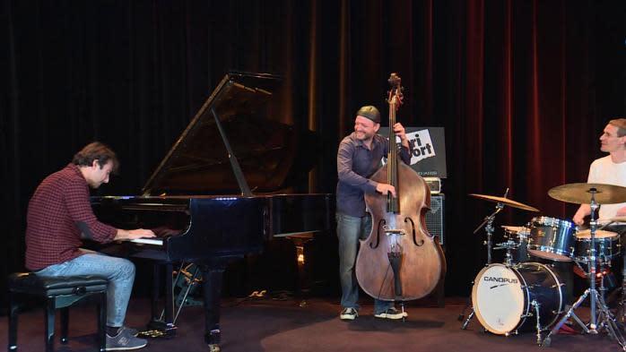 Avec son nouveau trio, Julien Brunetaud sort son cinquième album inspiré par Marseille