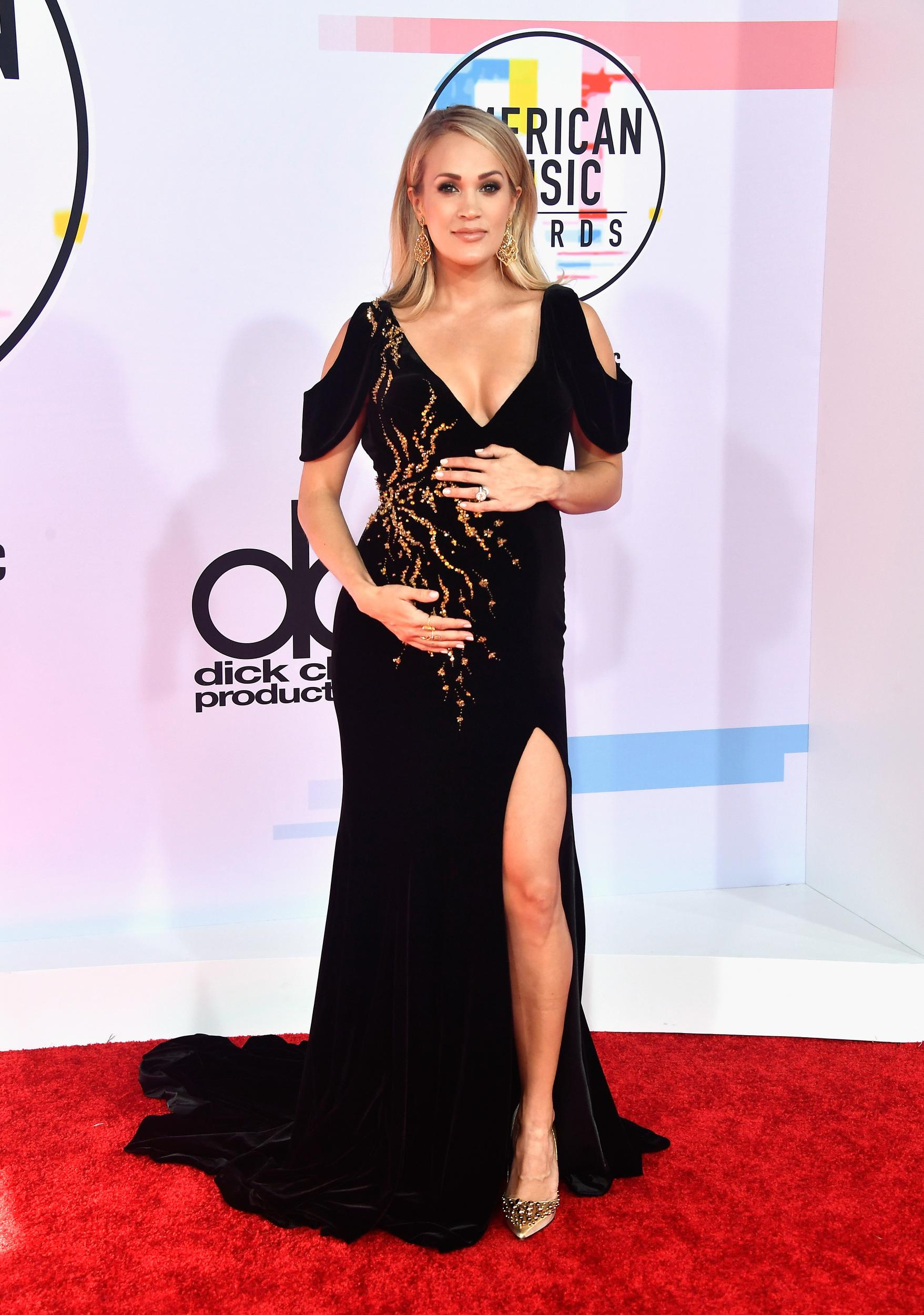 LOS ANGELES, CA - OCTOBER 09:  Carrie Underwood attends the 2018 American Music Awards at Microsoft Theater on October 9, 2018 in Los Angeles, California.  (Photo by Frazer Harrison/Getty Images)