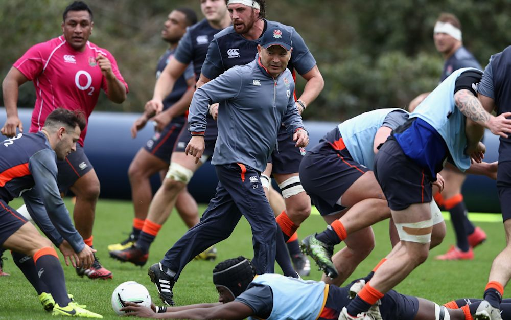 Eddie Jones puts England's players through their paces - 2017 Getty Images