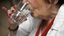 Canicule: pourquoi il est important de boire, mais en quantités raisonnables