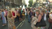 Primera protesta contra nuevo gobierno por medidas de emergencia en Argentina
