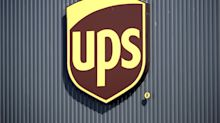 UPDATE 5-UPS COO's retirement eclipses e-commerce gains