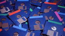 El avión comercial que sigue utilizando disquetes