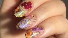 Tendance beauté : les plus belles manucures fleuries repérées sur Pinterest