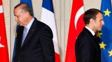 """Les tensions France-Turquie sont """"une question de religion"""" pour les supporters d'Erdogan"""
