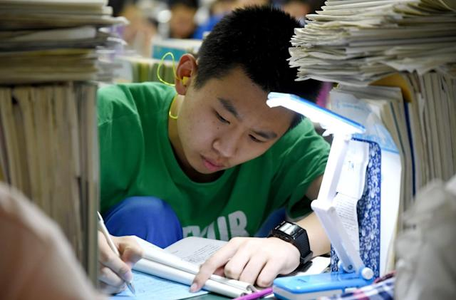 US will limit visas for Chinese tech students