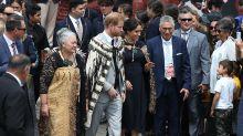 Herzogin Meghan verstößt gegen royale Etikette – mit ihren Füßen!