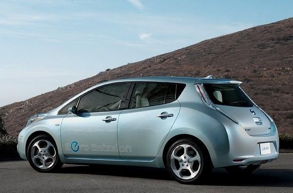 Nissan Leaf entered in 2011 Pikes Peak Hill Climb, can feel free to just coast back down again