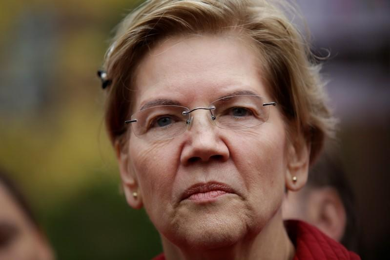 Democratic presidential candidate Senator Elizabeth Warren visits a picket line of striking teachers in Chicago