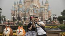 Corrige: Parques da Disney estão quase vazios em reabertura