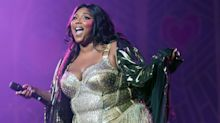 "Lizzo Covered Kylie Jenner's Hit Meme ""Rise and Shine"" While Playing the Flute in Concert"