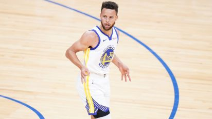 Does Curry believe he's MVP this year? 'I gotta be'