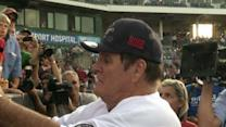 Pete Rose Returns for Day to Manage Conn. Team