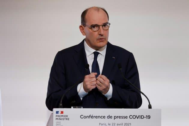 """Covid-19: Castex indique que le couvre-feu est """"maintenu jusqu'à nouvel ordre"""""""