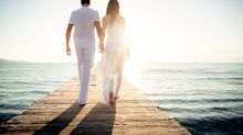 Couple divide the Internet after planning a 5.30am sunrise wedding ceremony