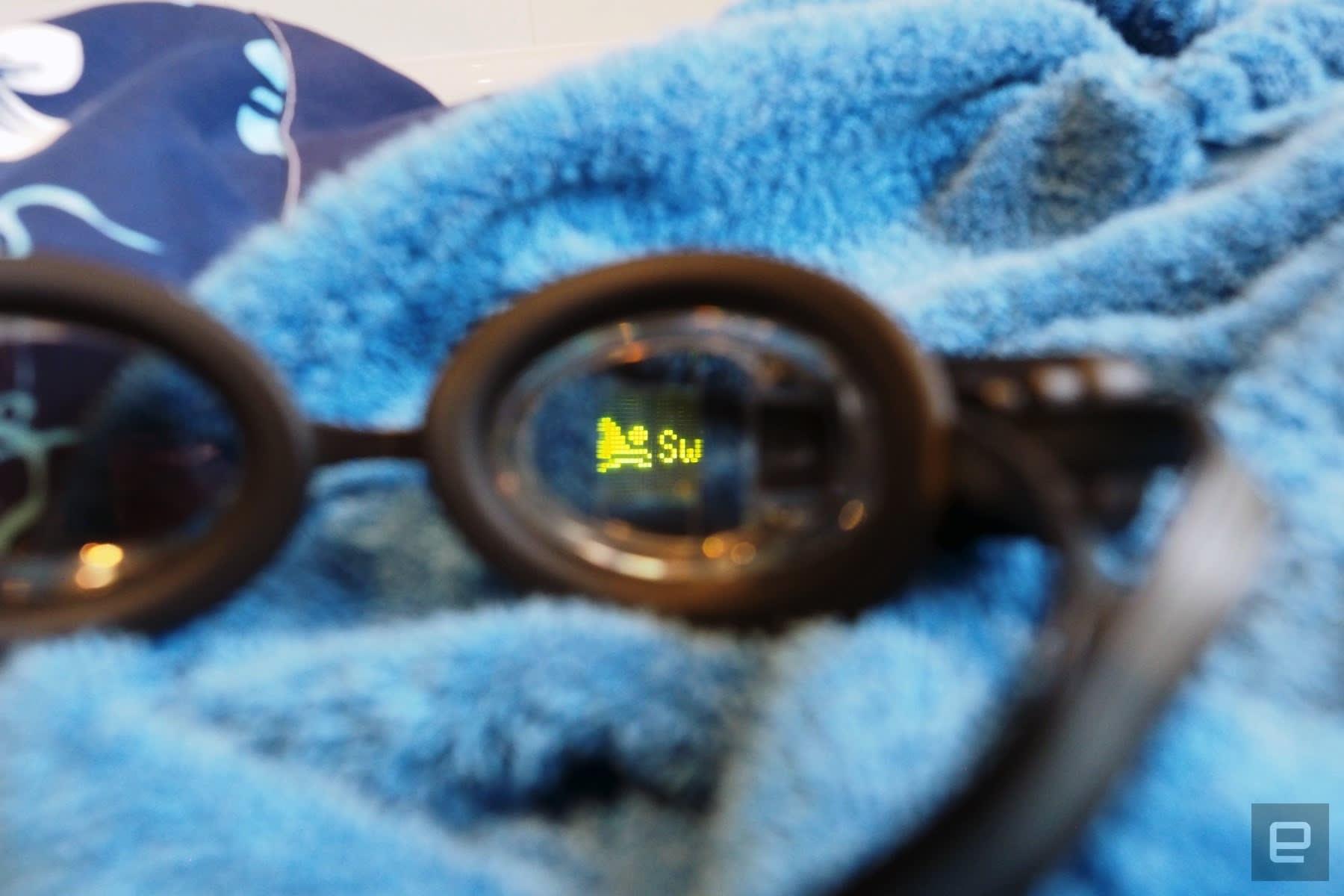 水泳用ARゴーグル「FORM Swim Goggles」199ドルで発売。スイム中にタイムや距離を表示