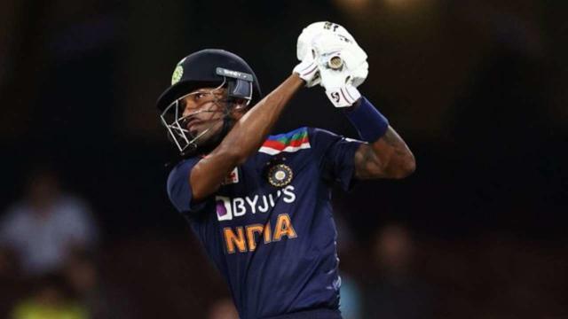 India vs Australia, 1st ODI: Hardik Pandya becomes fastest Indian batsman  to score 1000 ODI runs