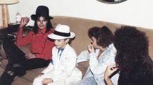 Documentário que acusa Michael Jackson de pedofilia é exibido na TV