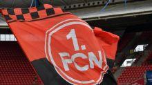 Wirbel beim Club nach Banner für verstorbenen Neonazi