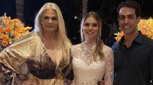 """Monique Evans festeja noivado de Bárbara e brinca: """"Achei que nunca ia casar"""""""
